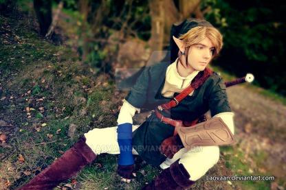 Link, este cosplay me gustó tanto por la fotografía como por el paisaje y vestuario. Exelenete ambientación.